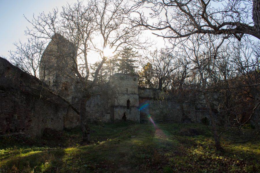 Szászkézdi Parasztvár - Udvar
