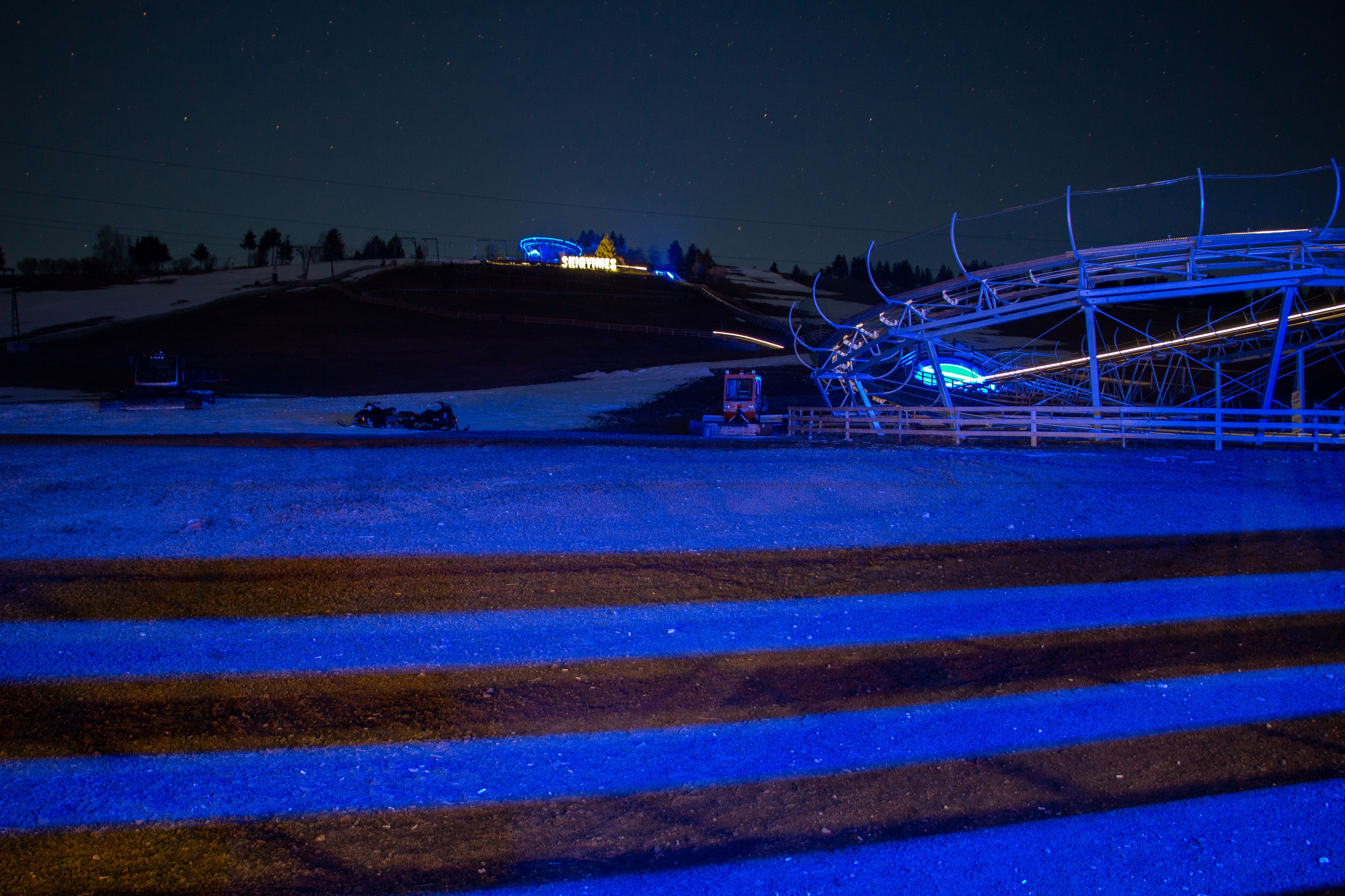 Éjszaka a SkiGyimes bobpályán