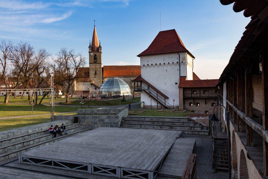 A Marosvásárhelyi vár udvara