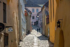 A Segesvári Vár szűk utcái