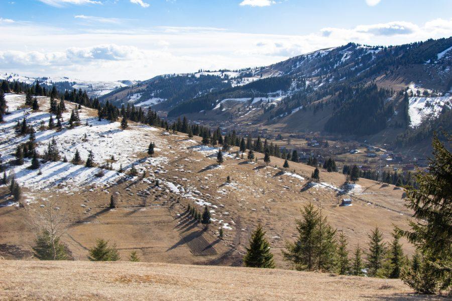 Kilátás a SkiGyimes tetejéről