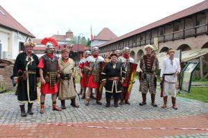 Íjászok a római katonákkal