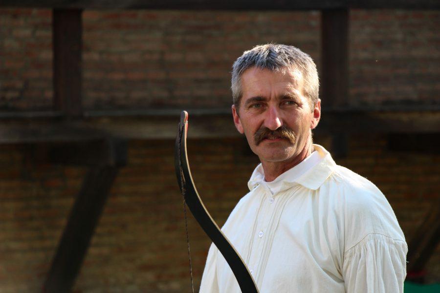 Kovács András - Szirtisas
