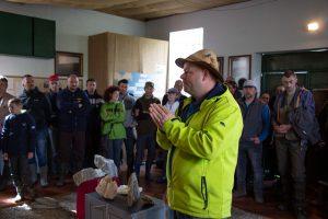 Pál Zoltán előadást tart a korondi Aragonit Múzeumban