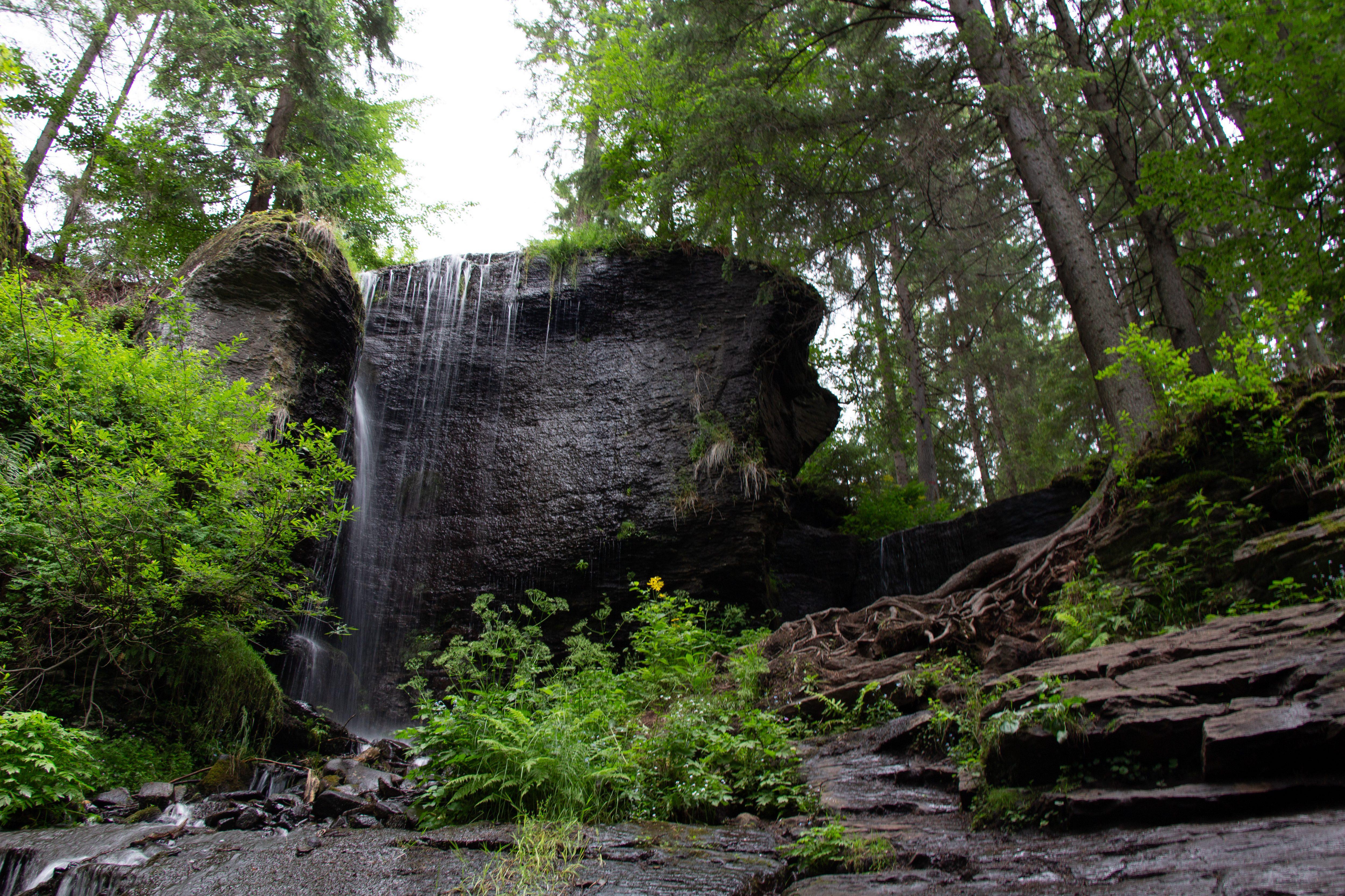 A Székelyvarsági hét méter magas vízesés