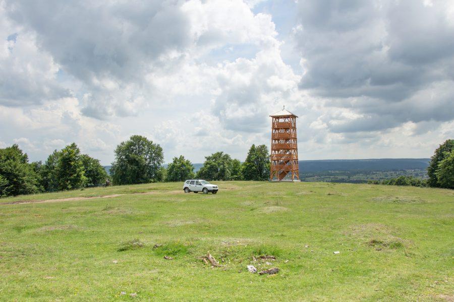A székelyvarsági kilátó torony