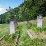 Családi sírhely a Korondi Likaskő szomszédságában