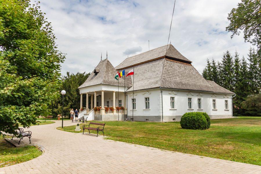 Mikes-Szentkereszty kúria, Zágon