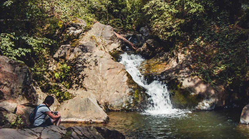 Vízesés Kovászna mellett, a Tündérvölgyben