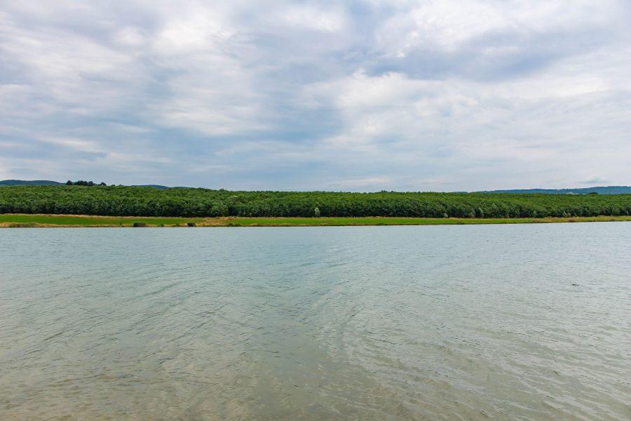 A Körös-tó víztükre