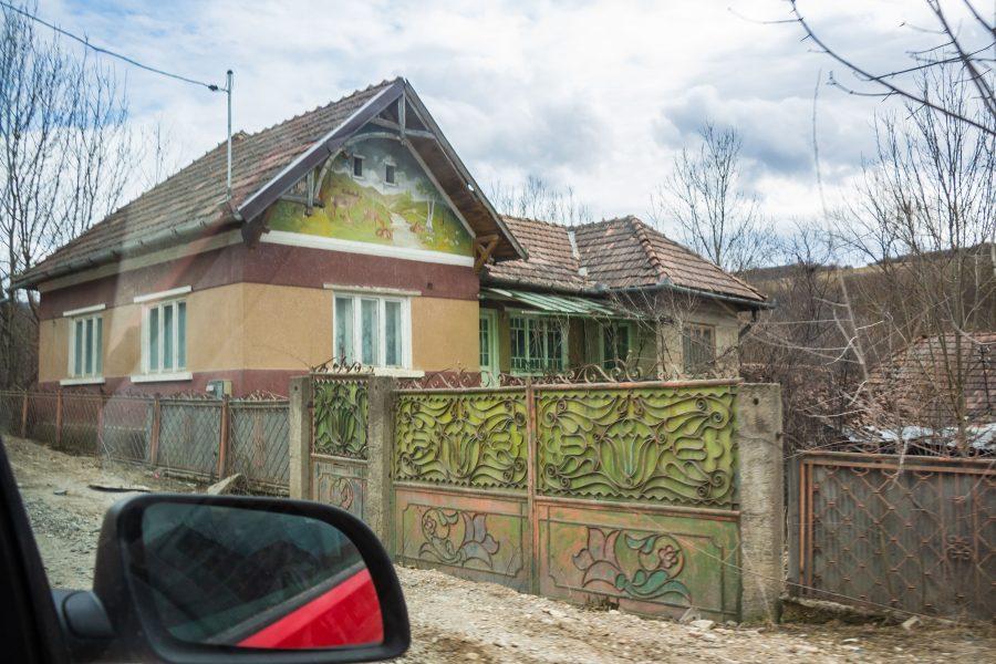Festmény a házfalon