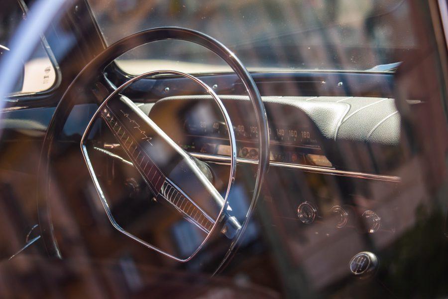 Klasszikus autó belső