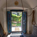 Csodásan díszitett ajtaja van az erdőszentgyörgyi református templomnak