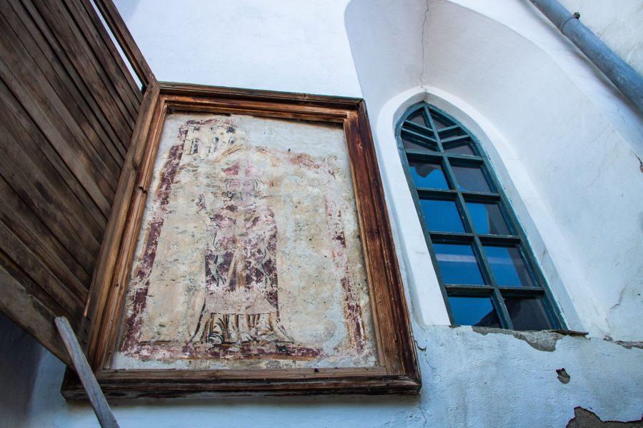Freskó az erdőszentgyörgyi református templom külső falán