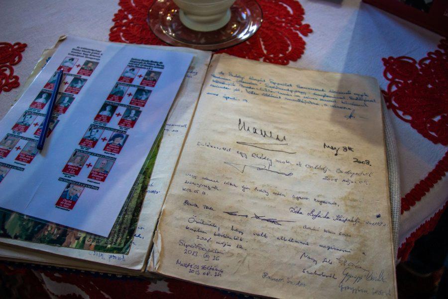 Károly herceg aláírása