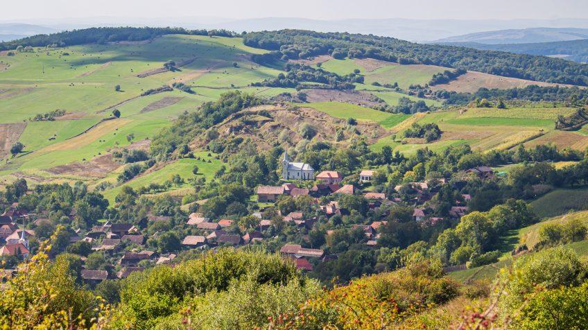 Nyárádselye látképe a Bekecs-hegyről